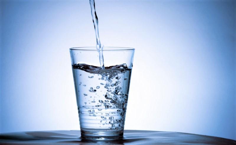 Quanta acqua bere al giorno