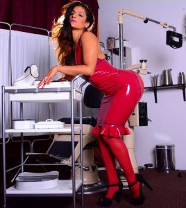 Lucrezia Mistress a Milano nel suo Studio BDSM